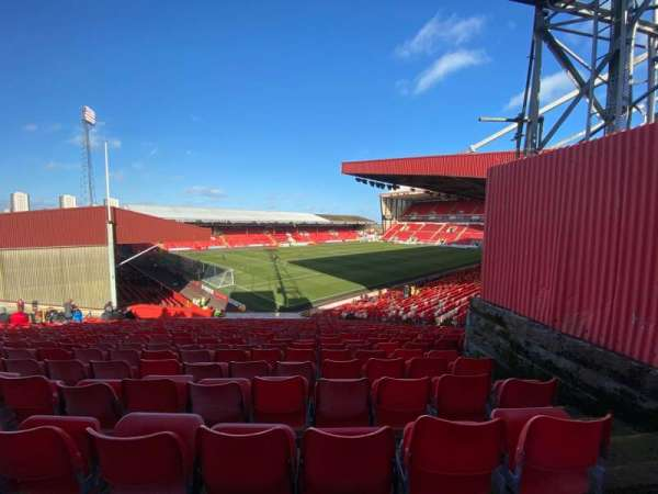 Pittodrie Stadium, section: Y, row: NN, seat: 274