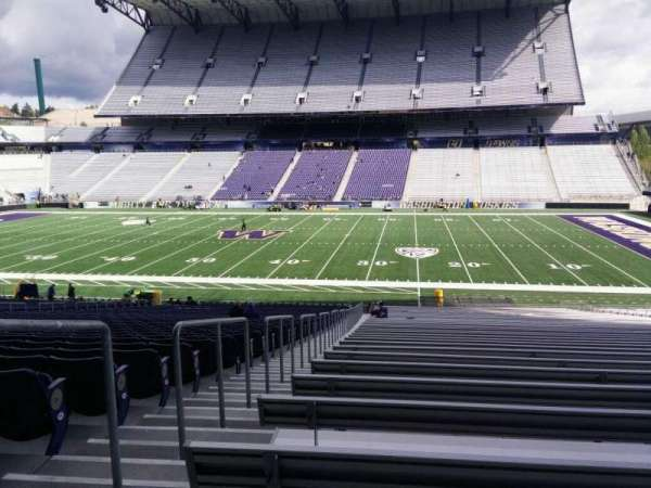 Husky Stadium, section: 104, row: 40, seat: 25