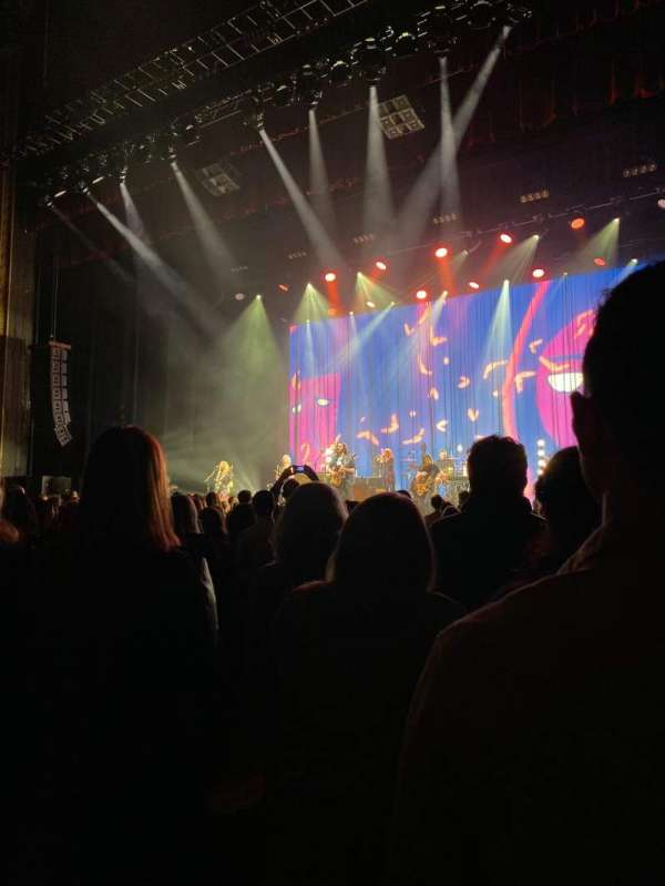 Chicago Theatre, section: MNFL3R, row: LL, seat: 314