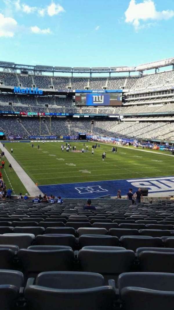 MetLife Stadium, section: 129, row: 31, seat: 15