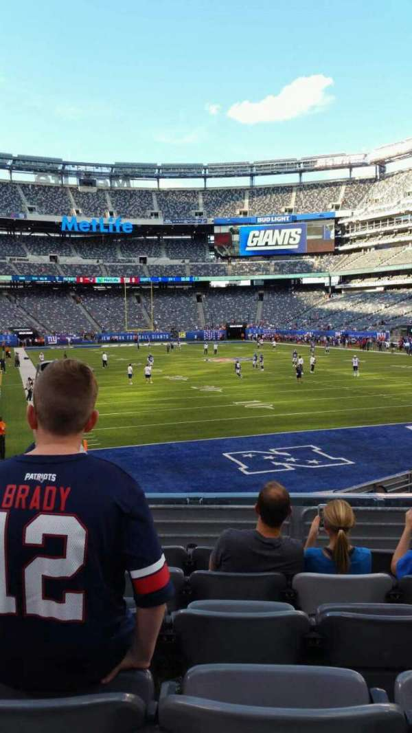 MetLife Stadium, section: 129, row: 15, seat: 13