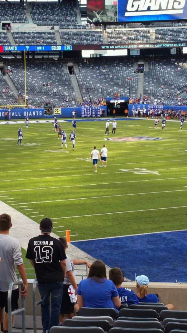 MetLife Stadium, section: 129, row: 15, seat: 24