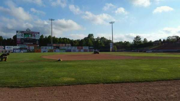 Dodd Stadium, section: 19, row: AA, seat: 4