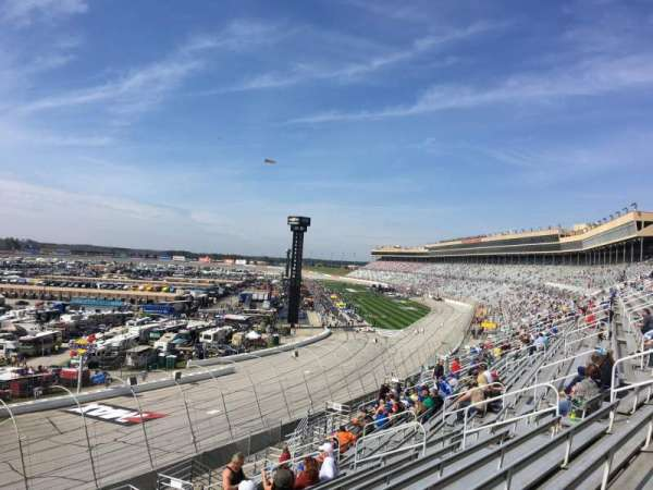 Atlanta Motor Speedway, section: 106, row: 14, seat: 1