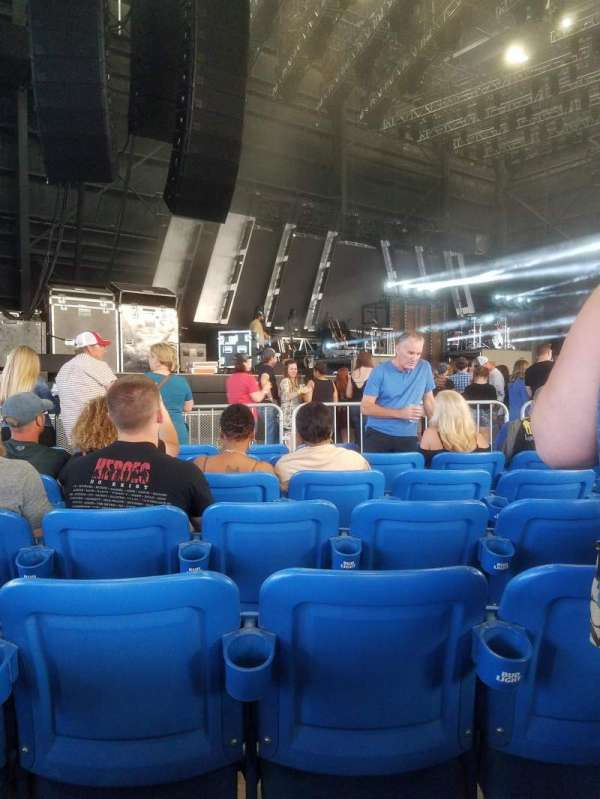 Hollywood Casino Amphitheatre (Maryland Heights), section: Left, row: L, seat: 21
