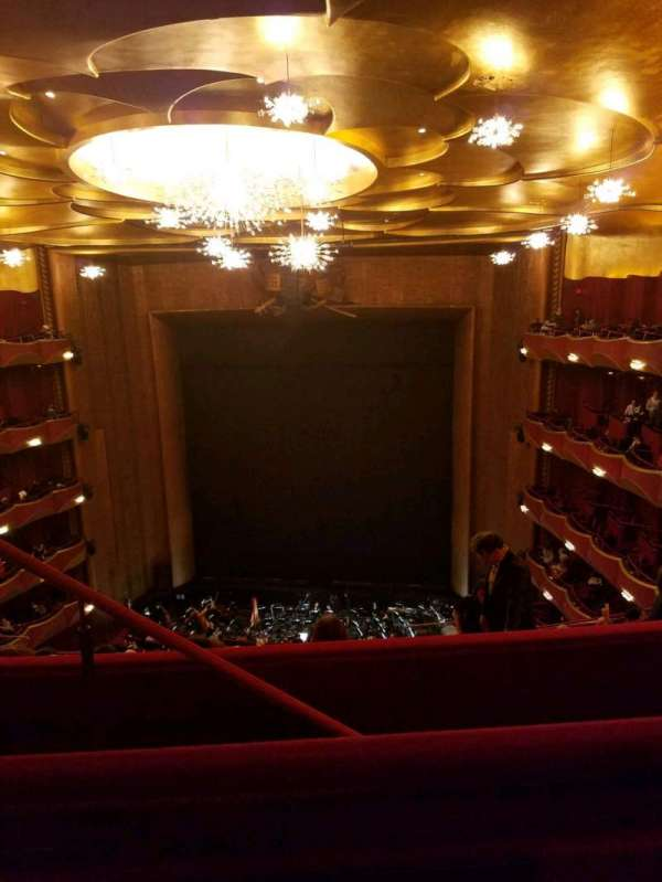 Metropolitan Opera House - Lincoln Center, section: Family Circle, row: B, seat: 206