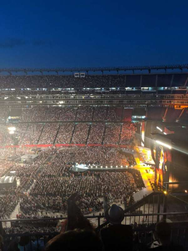 Gillette Stadium, section: 330, row: 11, seat: 4