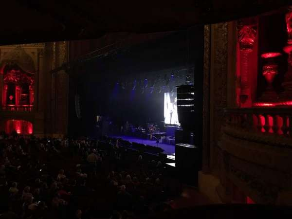 Chicago Theatre, section: 10, row: A, seat: 14