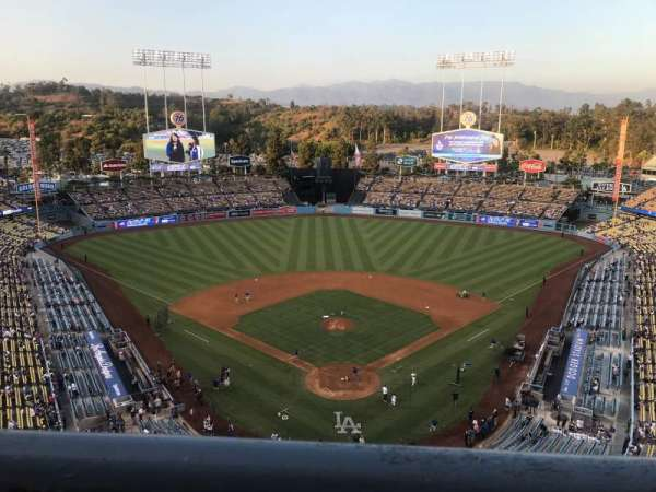 Dodger Stadium, section: 1TD, row: A, seat: 17