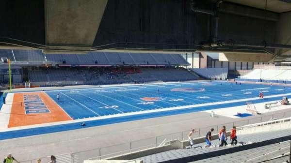 Albertsons Stadium, section: 26, row: T, seat: 24