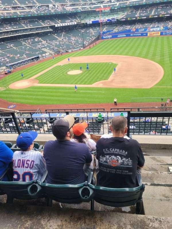 Citi Field, section: 311, row: 4, seat: 24