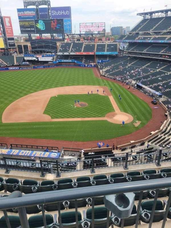 Citi Field, section: 420, row: 4, seat: 10