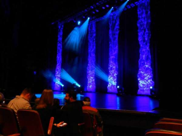 Harrah's Resort Atlantic City, section: LOWR9, row: FF, seat: 105
