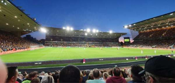 Molineux Stadium, section: JL8, row: L, seat: 229