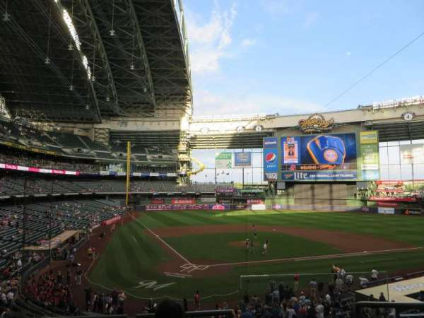 Miller Park, section: 217, row: 4, seat: 19