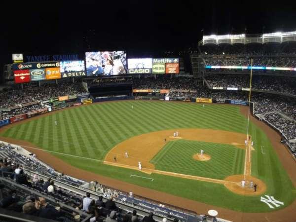 Yankee Stadium, section: 422, row: 1, seat: 21