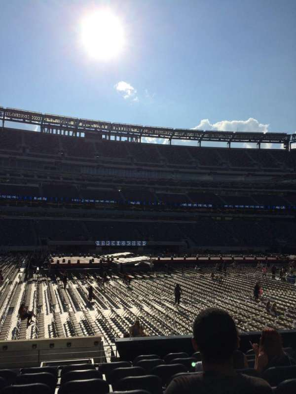 MetLife Stadium, section: 115c, row: 9, seat: 10