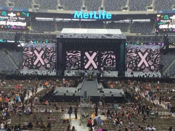 MetLife Stadium, section: 126, row: 24, seat: 13