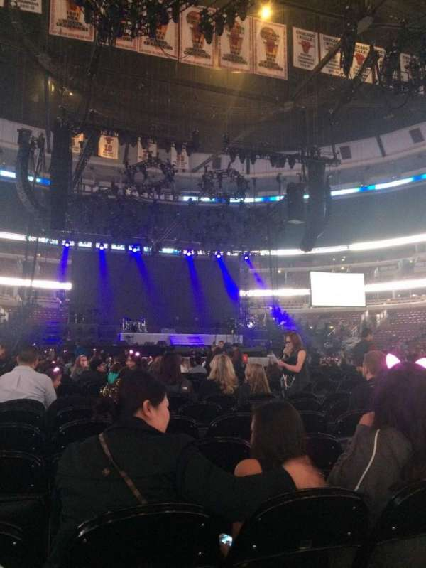 United Center, section: 7, row: 7, seat: 3