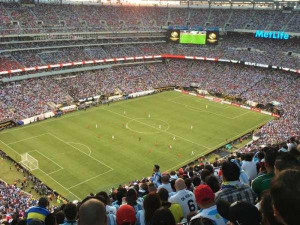 MetLife Stadium, section: 320, row: 26, seat: 12