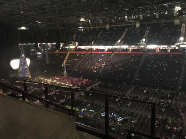 Manchester arena, section: 205, row: D, seat: 1