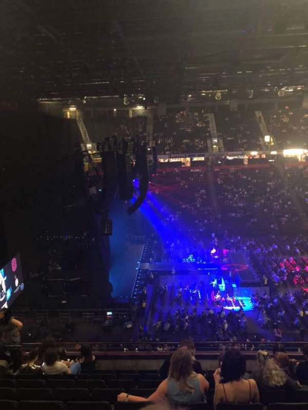Manchester Arena, section: 202, row: J, seat: 11