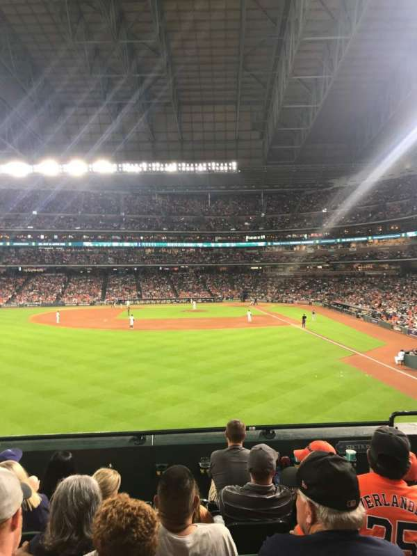Minute Maid Park, section: 102, row: 6, seat: 17