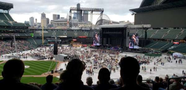 Safeco Field, section: CL 212, row: M, seat: 4