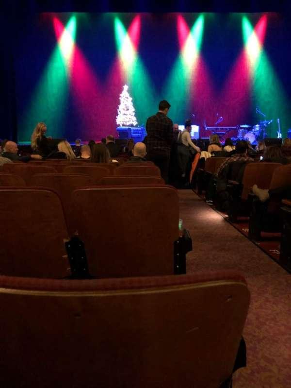 Chicago Theatre, section: MNFL4L, row: JJ, seat: 401