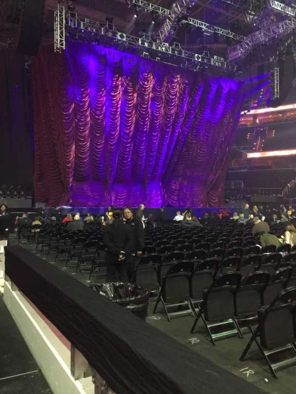Capital One Arena, section: 100, row: A, seat: 11