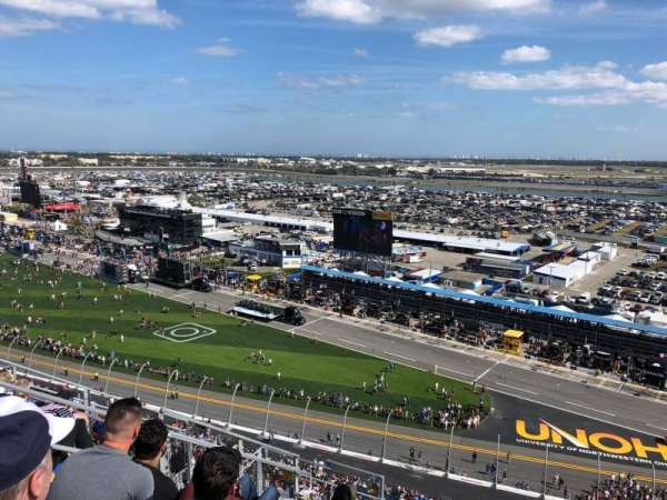 Daytona International Speedway, section: 438, row: 33, seat: 10