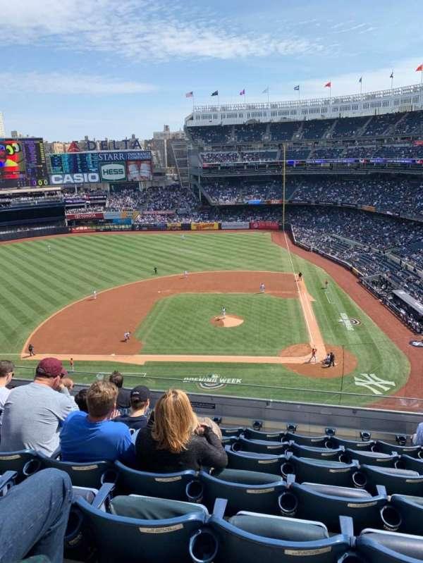 Yankee Stadium, section: 323, row: 7, seat: 8