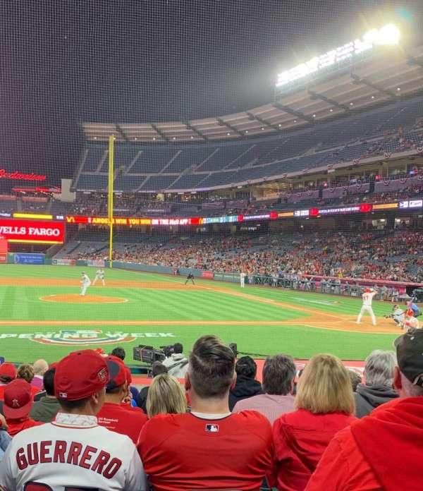 Angel Stadium, section: 112, row: M, seat: 14