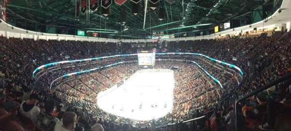 Honda Center, section: 423, row: Q, seat: 1