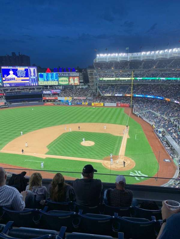 Yankee Stadium, section: 322, row: 5, seat: 8