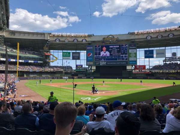 Miller Park, section: 117, row: 19, seat: 8
