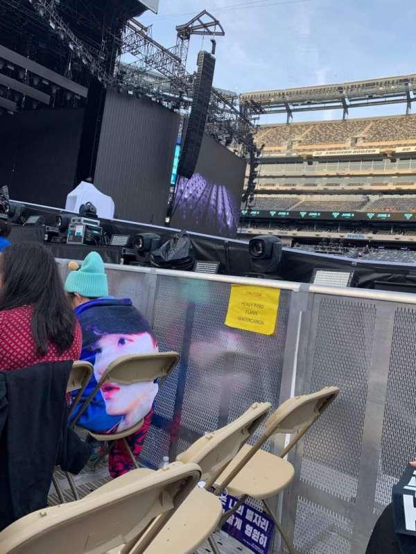 MetLife Stadium, section: 4, row: 19, seat: 4/5