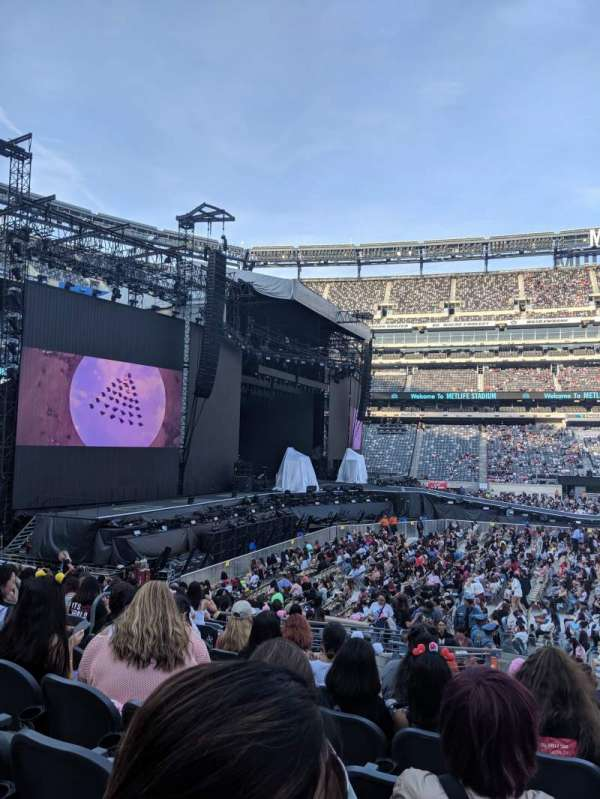 Metlife Stadium, section: 140, row: 18, seat: 21
