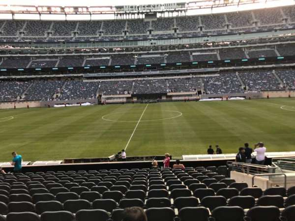 MetLife Stadium, section: 113, row: 15, seat: 1