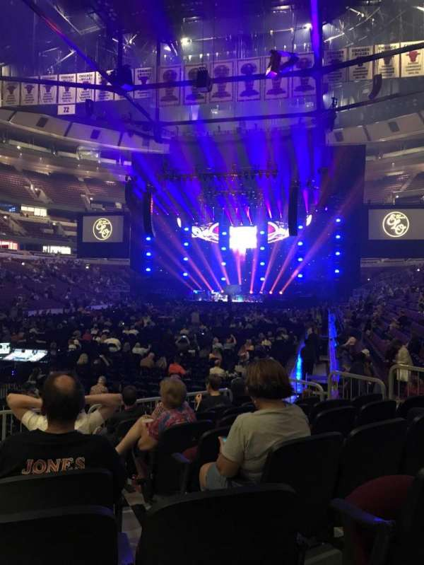 United Center, section: 104, row: 8, seat: 11