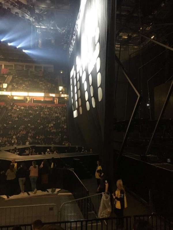 Manchester Arena, section: 115, row: F, seat: 19