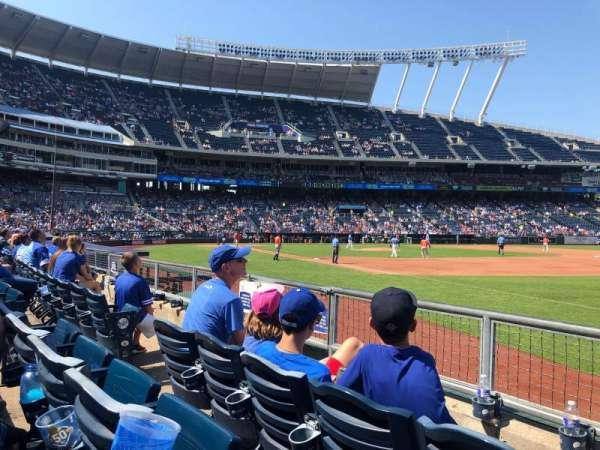 Kauffman Stadium, section: 141, row: D, seat: 5