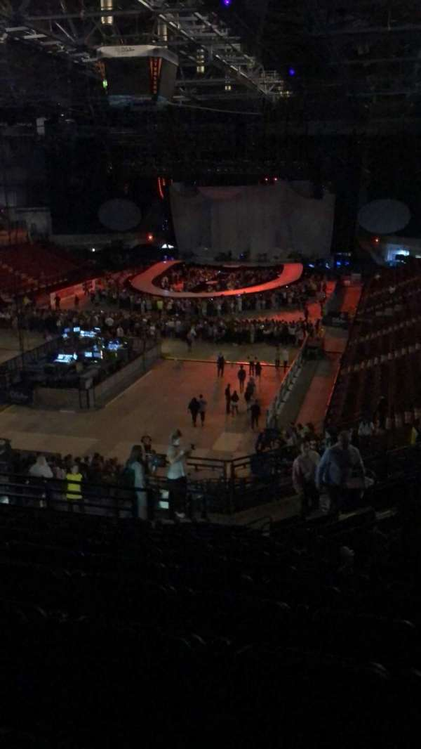 Sheffield Arena, section: 212, row: P, seat: 19
