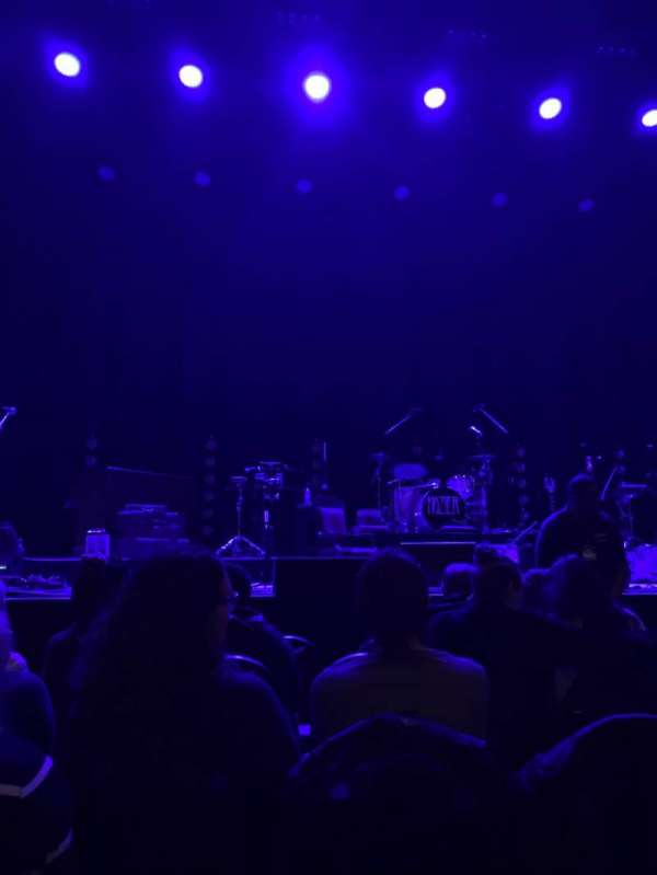 Chicago Theatre, section: MNFL4L, row: AA, seat: 405