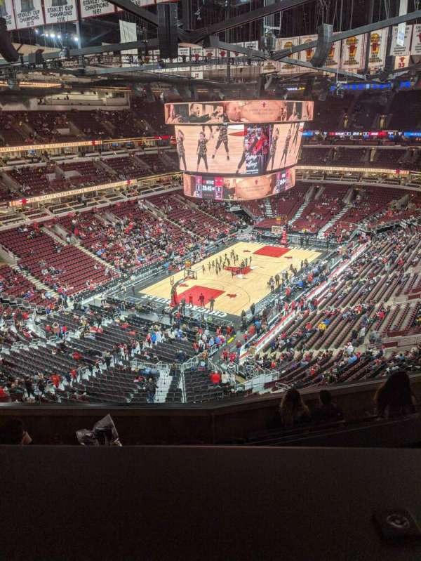 United Center, section: 306, row: 8, seat: 12