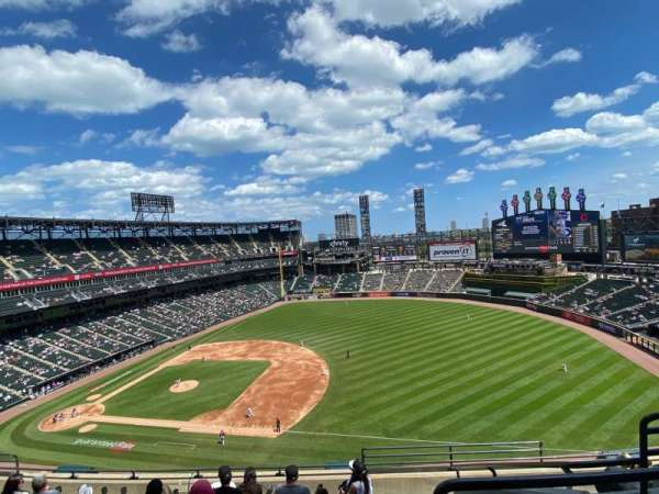 Guaranteed Rate Field, section: 520, row: 8, seat: 4
