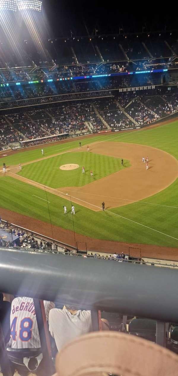Citi Field, section: 403, row: 5, seat: 6
