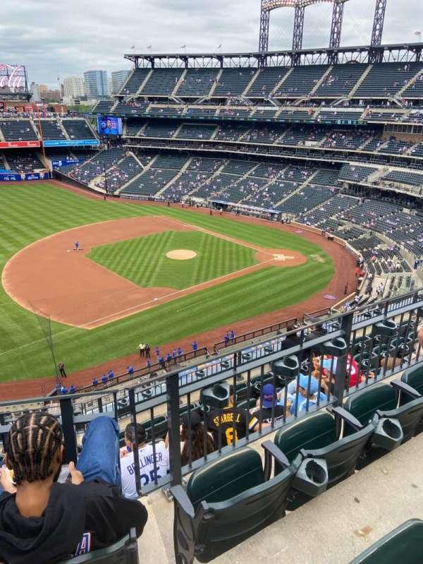 Citi Field, section: 424, row: 7, seat: 16