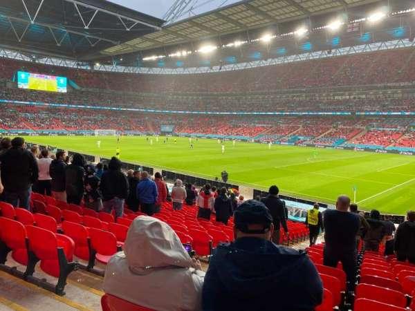 Wembley Stadium, section: 118, row: 25, seat: 183