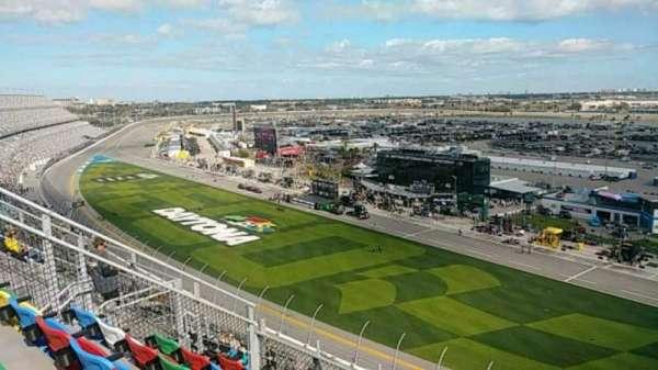 Daytona International Speedway, section: 463, row: 32, seat: 11